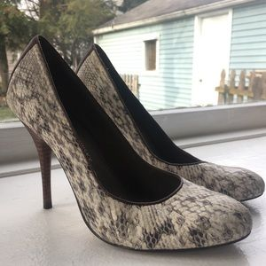 B. Makowsky Snakeskin Pumps w/ Leather Accent